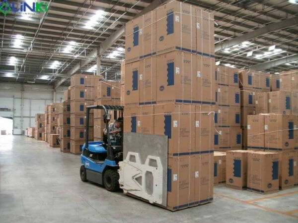 Công dụng xe nâng kẹp thùng carton
