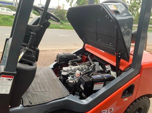 Góc mở nắp capo rộng rãi dễ dàng cho việc kiểm tra và sửa chữa