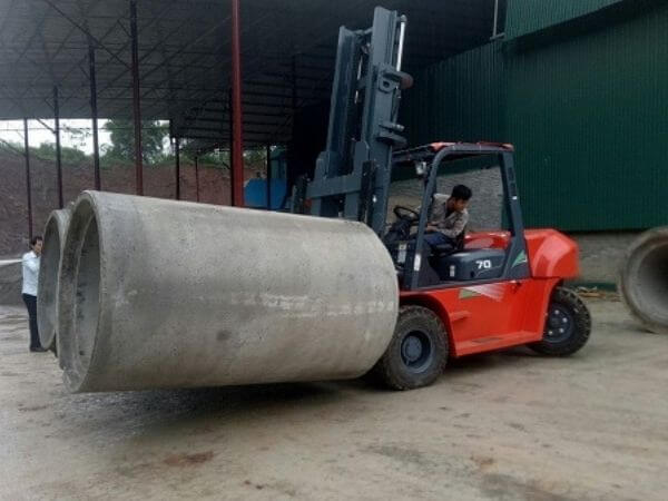 xe nâng bê tông 7 tấn heli