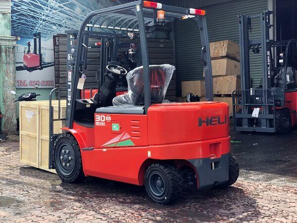 xe nâng điện lithium 3 tấn heli