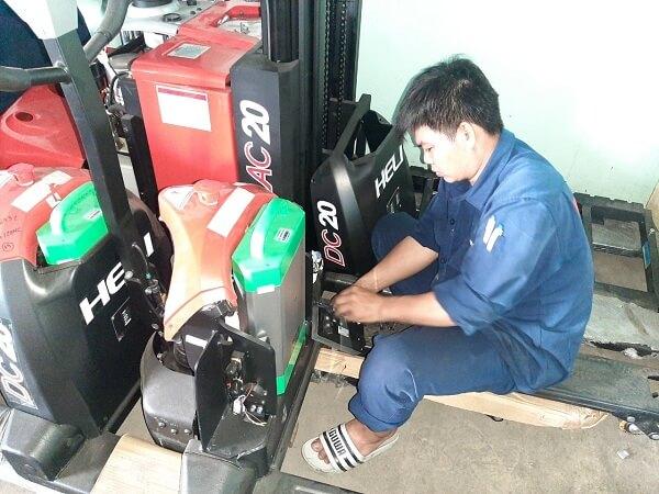 Bình Minh cung cấp dịch vụ sửa chữa xe nâng uy tín